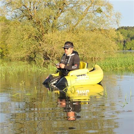 GUIDE FLOAT TUBE PREDATOR COUNTRY OF THE LOIRE LAURENT VRIGNAUD